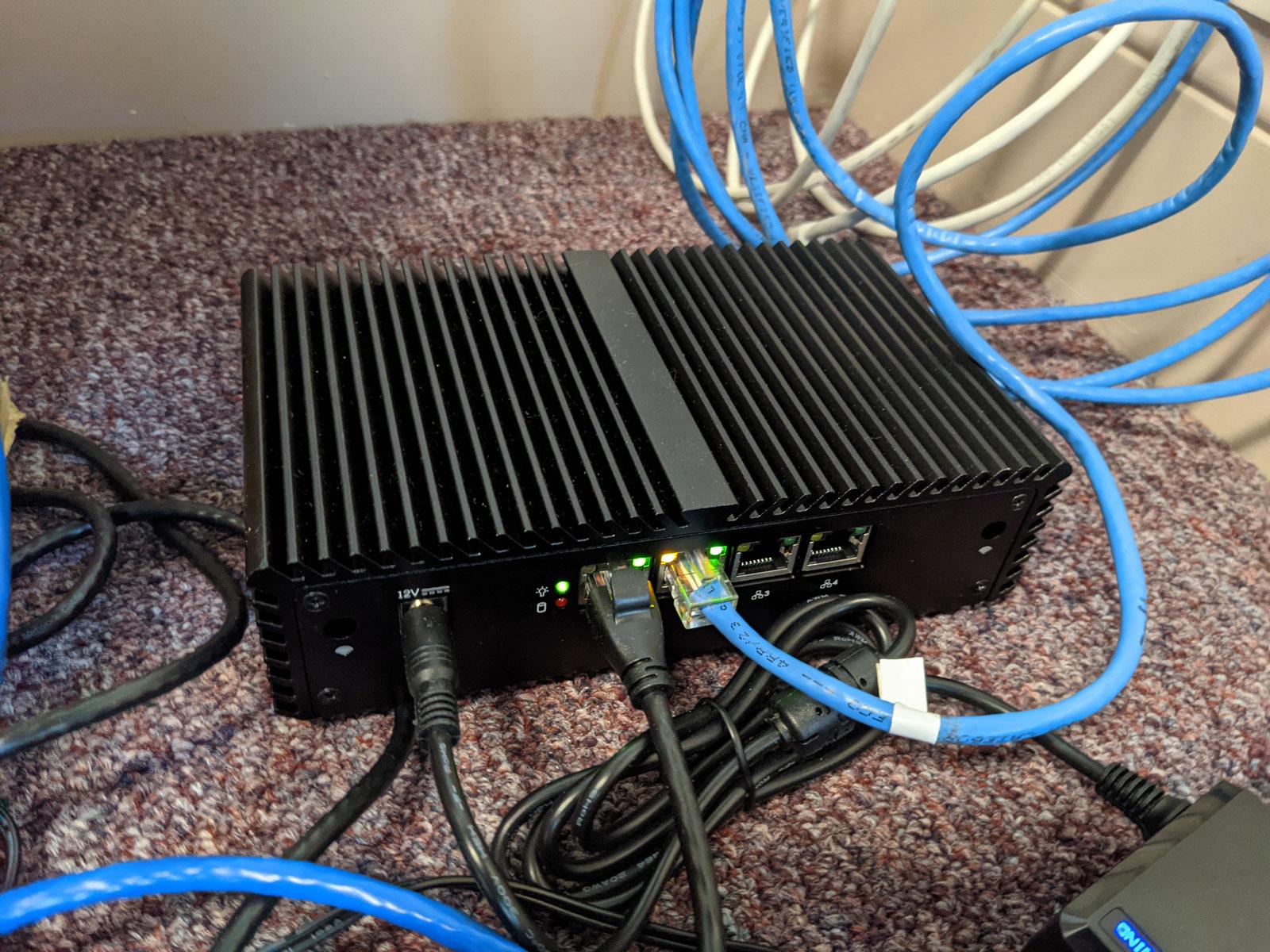 Photo of Qotom Q355G4 mini PC